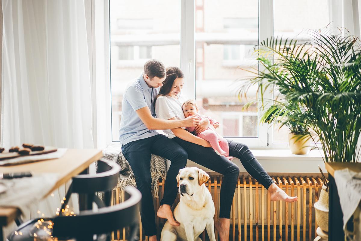 darowizna mieszkania - czym się różni od sprzedaży oraz czy można podarować dom z kredytem?