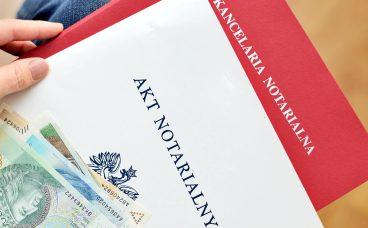 koszty notarialne przy zakupie mieszkania od dewelopera. Kto za nie płaci?